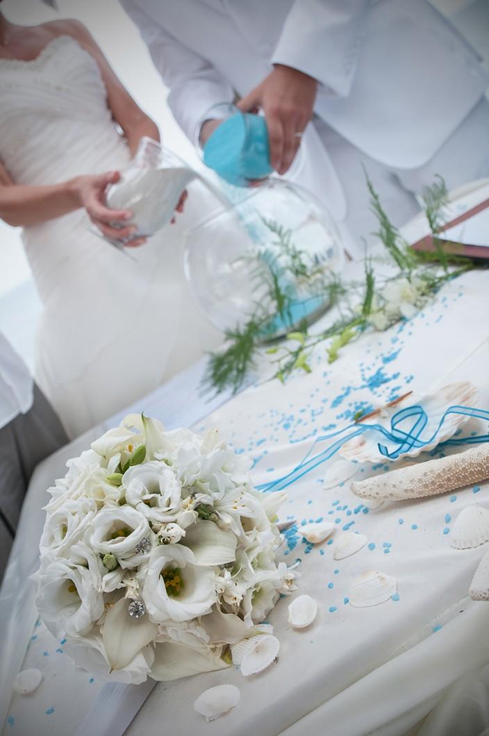 Matrimonio Spiaggia Pula : Sposarsi in spiaggia sposi sardegna rivista per il