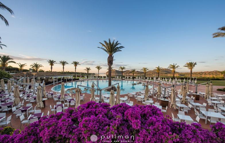 Pool-panoramic-view