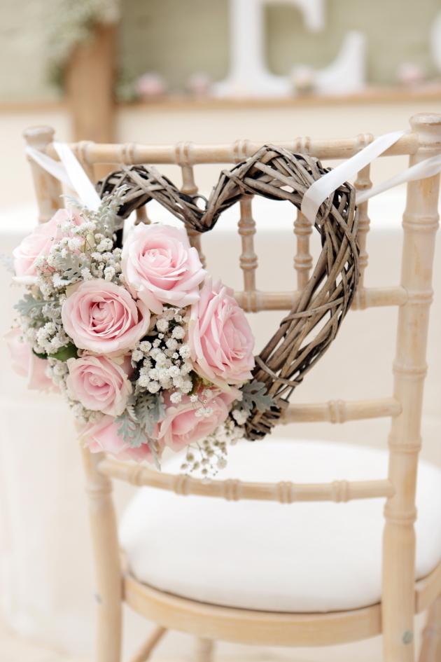 Matrimonio In Rosa : Matrimonio color rosa sposi in sardegna rivista per il